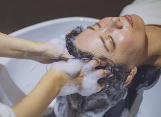 細胞レベルで髪質改善<br>話題沸騰「リンゴ幹細胞」で<br>ワンランク上のヘアケアー
