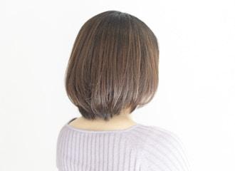 髪や頭皮へのダメージを最低限に抑えたカラー技術『ゼロテク』