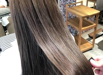《Aujua 極》<br/>Fierで更に進化させた<br/>最高級髪質改善トリートメント<br/>