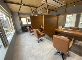 マンツーマンのプライベートサロン<br>半個室空間で贅沢なひとときを・・