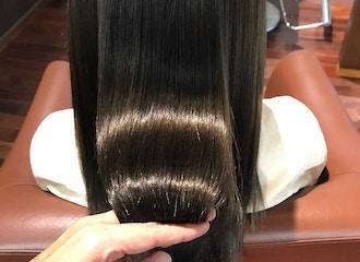 話題の髪質改善メニュー<br>【艶髪エステ】<br>感動レベルの手触りやツヤ感