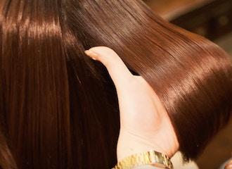 湿気や雨に負けない美髪の秘密は<br/>【ドライカット】にあります。