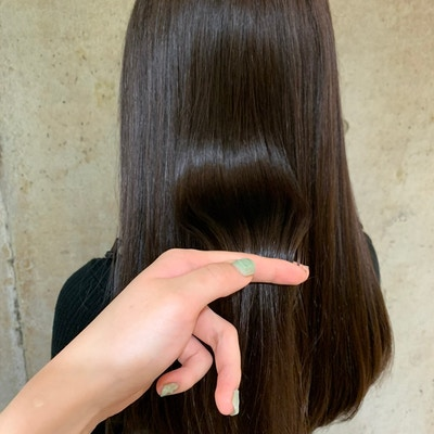 ¥19,800→¥9,900<br>ヴィラロドラカラー+オージュア髪質改善トリートメント&スパ (前髪カット付)