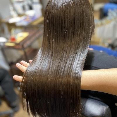 【1日1名様限定】<br>髪質改善カラーエステ<br>(小顔カット・髪質改善ツヤカラー・トリートメント)ホームケア3点セット付