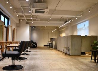横浜桜木町でメンズに人気の美容室【the S】の雰囲気1