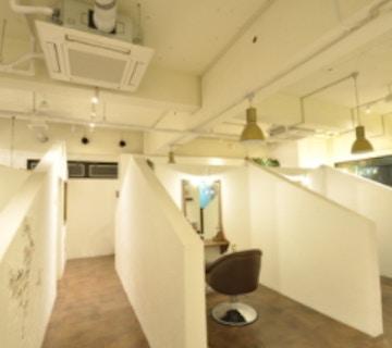 半個室型美容室 Sourire Akasaka【スーリール アカサカ】店内