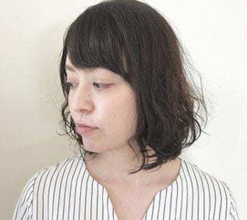 伸ばしかけの髪にゆるふわニュアンスおしゃれパーマ
