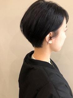 黒髪×ショートカット/シルエット◎前下がりショート